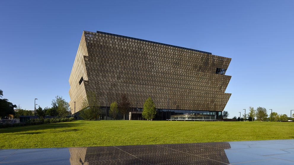 .@NCStateDesign's @pfreelon led the team that designed the @NMAAHC, the Smithsonian's newest museum. https://t.co/LoWsUgPlmv #StateOfNCState https://t.co/iIKTqt1KNM