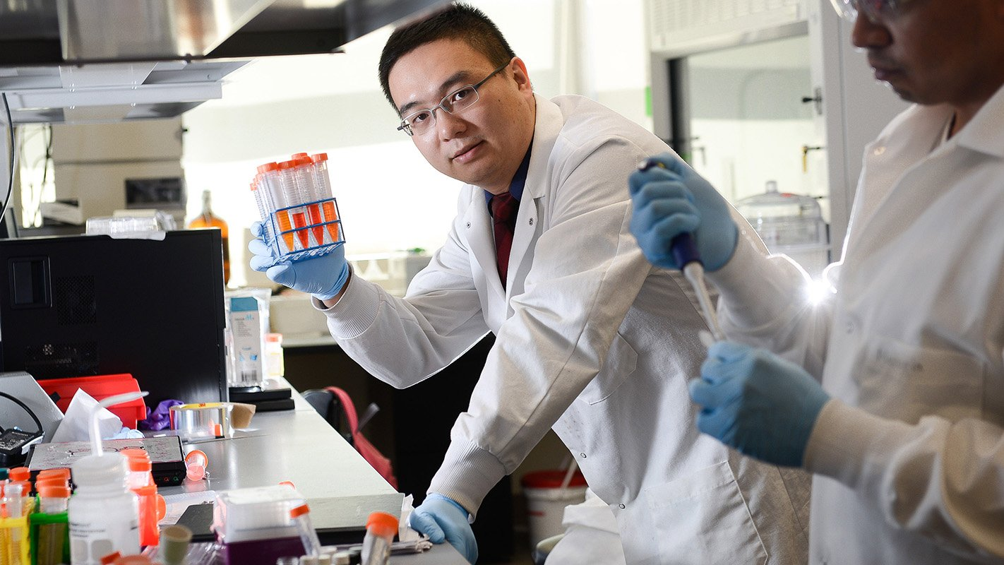 .@guzhenlab was named a 2016 Sloan Research Fellow. See some of his work here: https://t.co/OBi6cVDwX0 #StateOfNCState https://t.co/63QH8lJReJ
