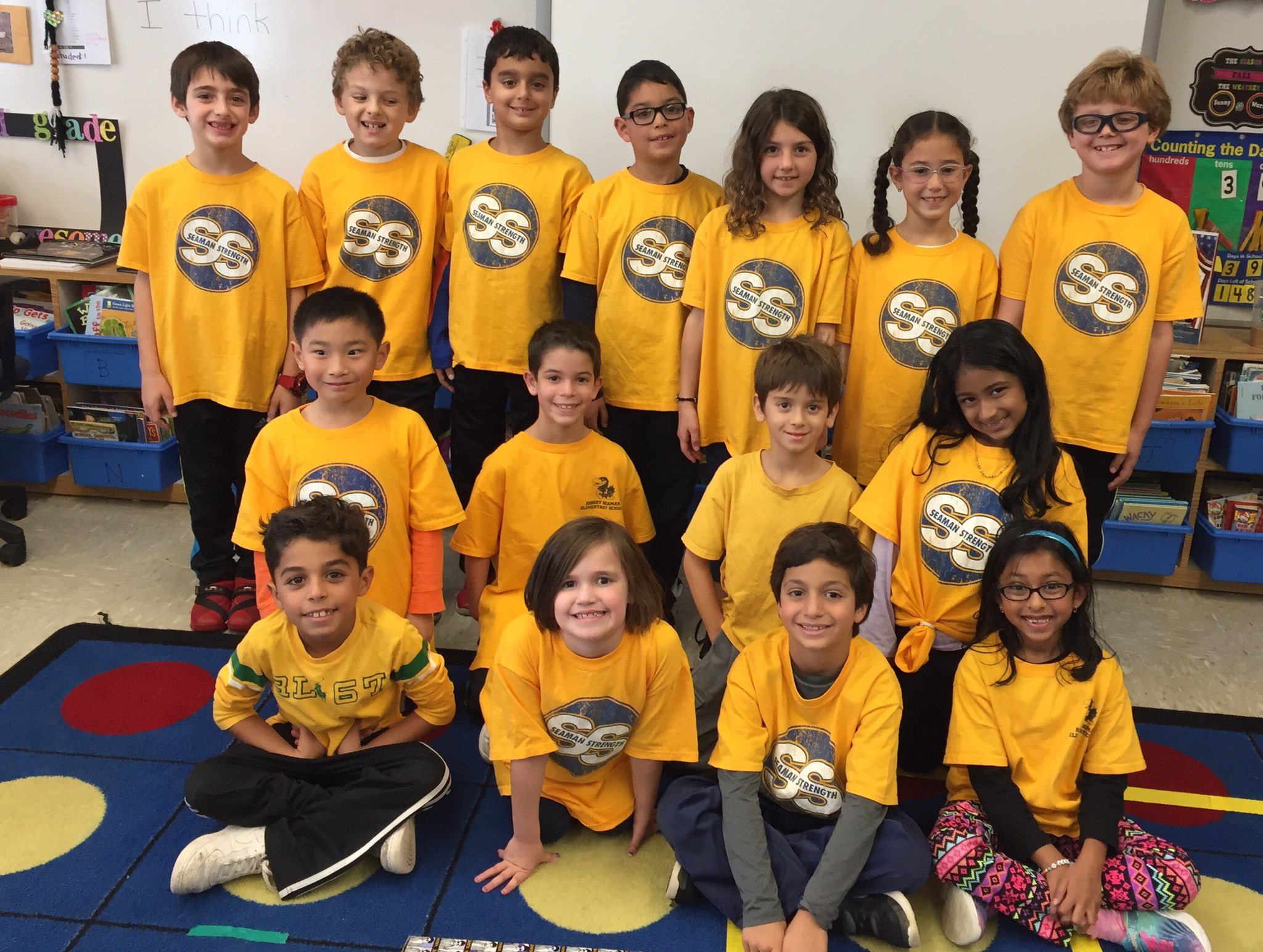 Class #2ZC is showing their #seamanstrength school spirit today all dressed proudly in yellow👍💛 @Ivysherman @AcohenAllie https://t.co/yYre3pu4ra