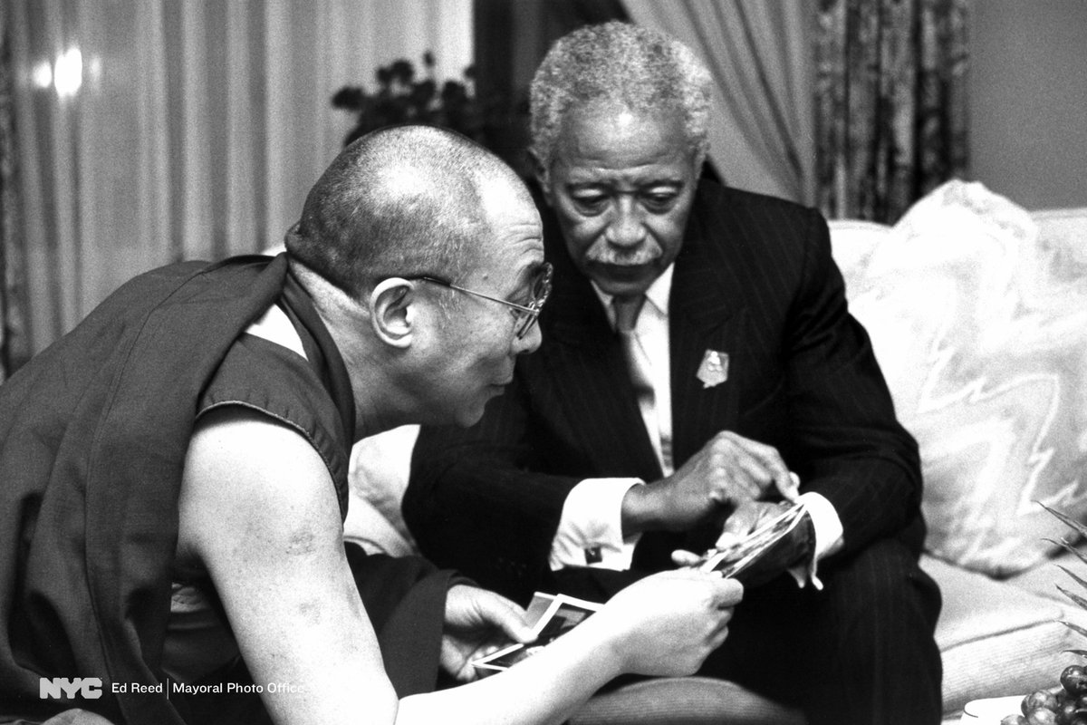 mayoral photo office on twitter mayor david dinkins shows family photos to the 14th dalai lama during a courtesy meeting at a midtown hotel in 1990 edreedphoto https t co ln8u3gcnvf twitter