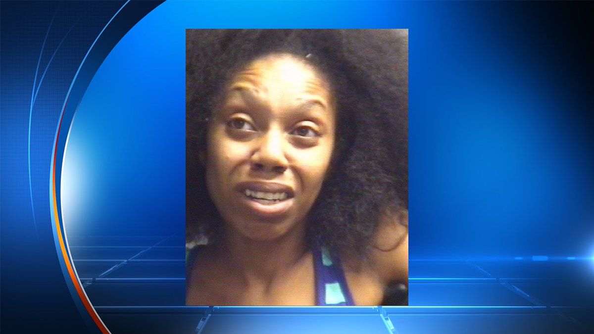 Woman with 2 children in front seat of car accused of DWI