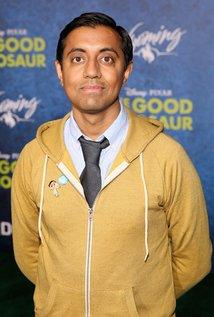 Para contaros la historia contaré con la ayuda de Sanjay Patel, un animador hindú que trabaja para Pixar. Decidle hola a Sanjay. https://t.co/Bz9y61GzZf