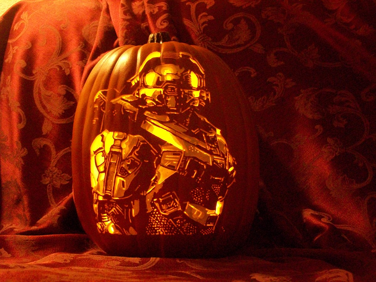 #HappyHalloween to all the @Halo fans, and #Gamers in general! #MasterChief https://t.co/lQ8TOpiK8B