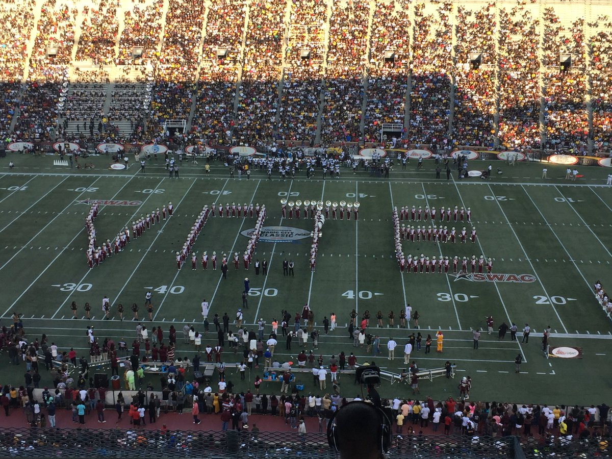 Alabama A&M's band with one final message at the largest HBCU Classic in the country. #MagicCityClassic https://t.co/Gsxs7EIRc4
