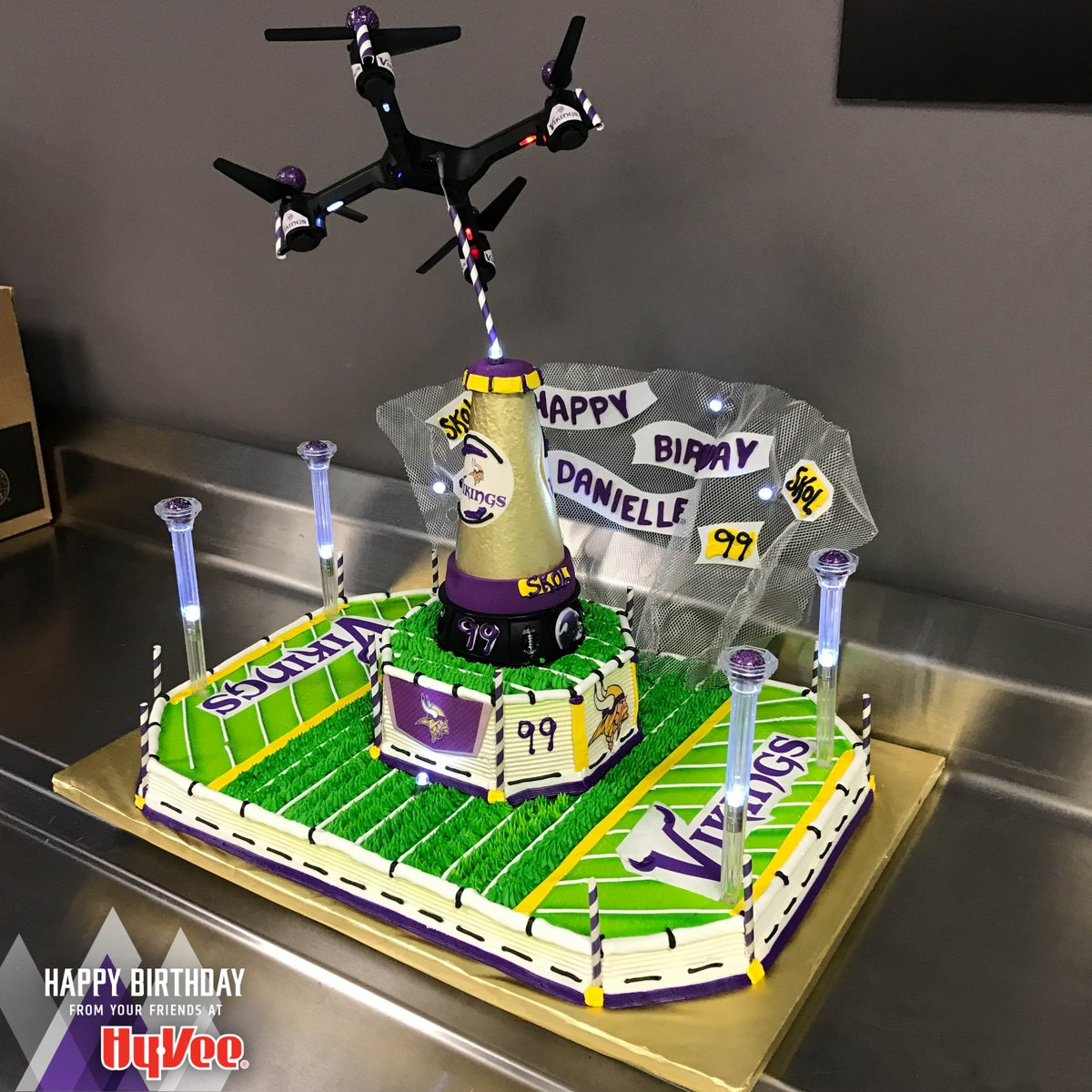 Sensational Jerry Khachoyan On Twitter Thats A Cool Cake Happy Birthday Birthday Cards Printable Opercafe Filternl
