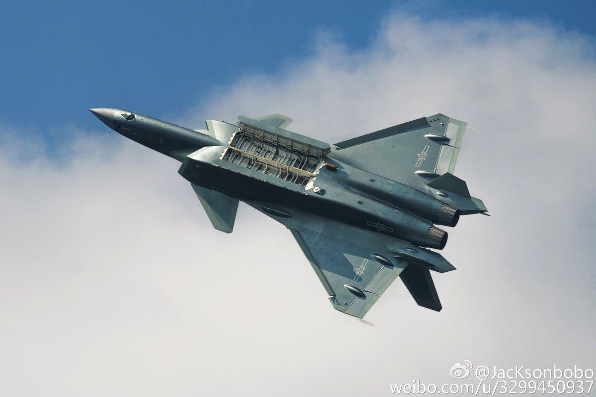 Chengdu J-20 Stealth Fighter - Page 5 CvA1EGgVUAAC-rh