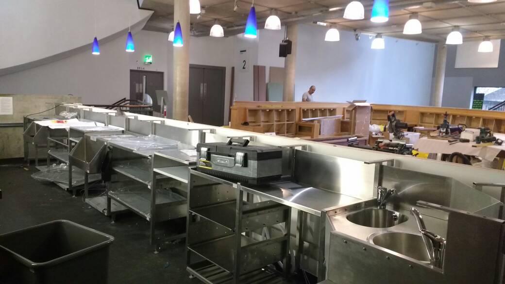 Bar refurbishment continues apace! #shinyshiny #barrefurbishment pic.twitter.com/zg9dVFaYJw