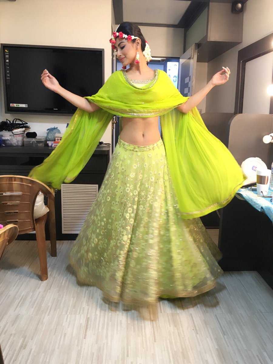 Mouni Roy,Shivangi,images,pics,pictures,photos,hd,bridal,Naagin2,Nagin,Naagin Season 2,hot,sexy