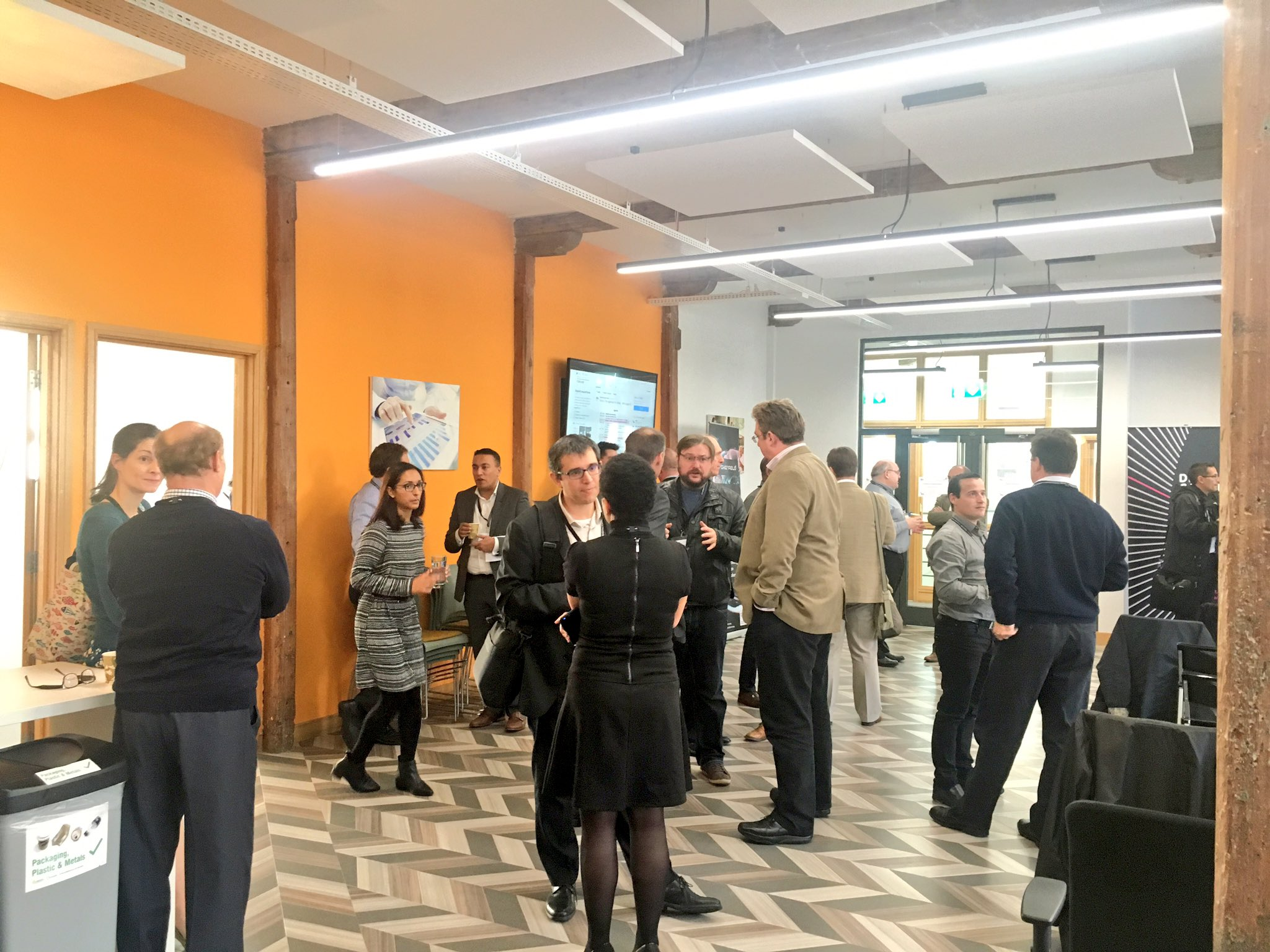 Breakout and networking lots of #digitalhealth and #tech talk #nhsopen16 @digitalhealthez https://t.co/UxiIORzps2