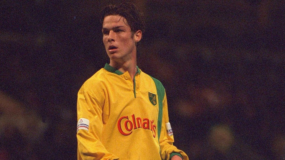 """Norwich City FC on Twitter: """"He's now Fulham's captain, but Scott Parker once donned yellow and green... #ncfc Foot In Both Camps: https://t.co/9RqjCXEXPp… https://t.co/tMtBN9Bxr4"""""""