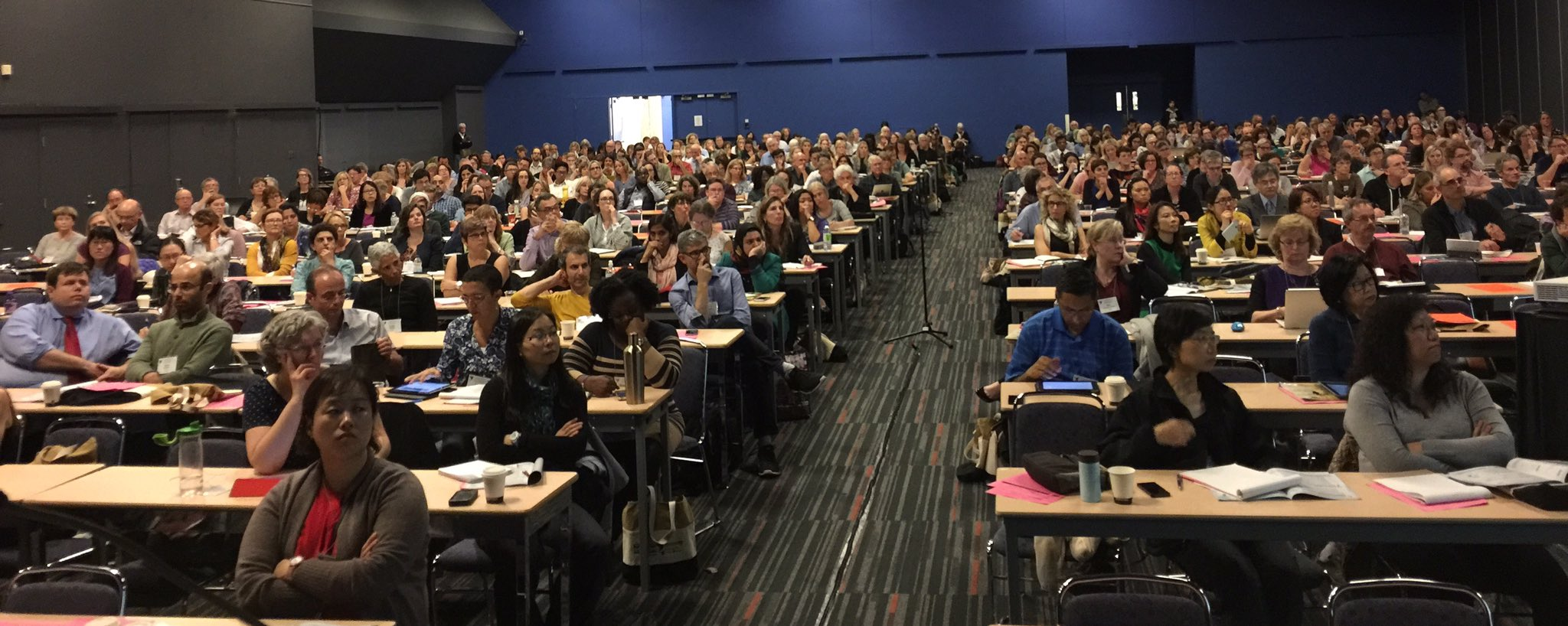 Full house at the #CSPCP hosted 2016 Master Class #palcarecongress https://t.co/MNZAL7bkZ7