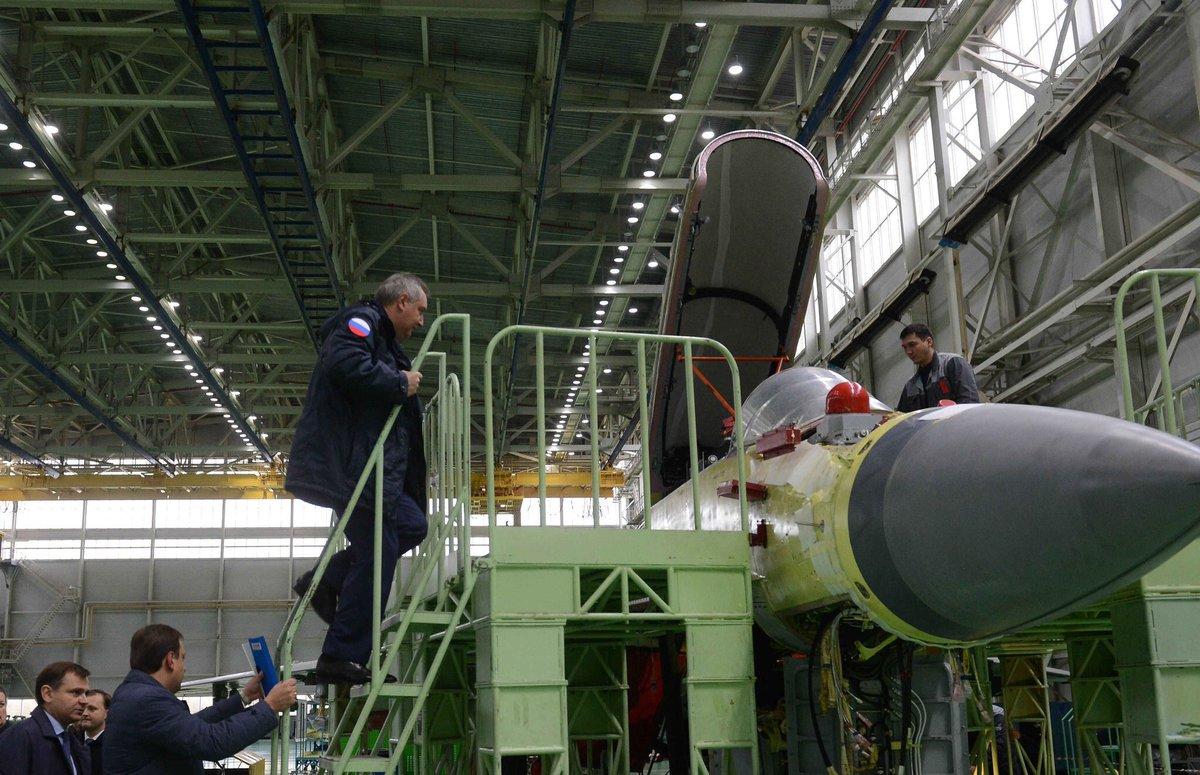 المقاتله الروسيه MiG-35  متعددة المهام  CvEODmHWEAAJQYw