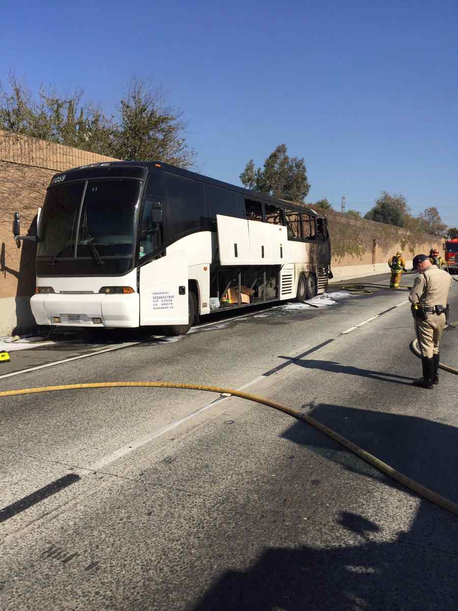 Tour Bus Fire Shuts Down Lanes On 60 Freeway In Hacienda Heights Https