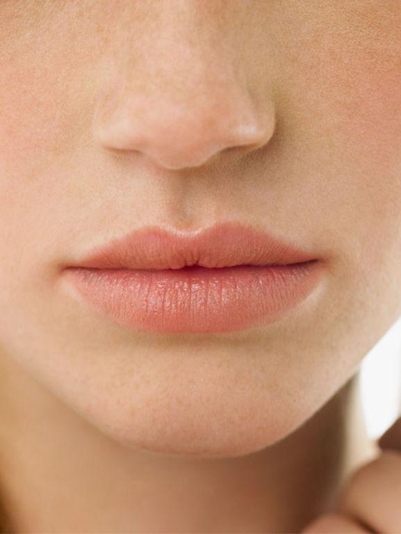 5 gloss au  collagène et à l acide hyaluronique pour des  lèvres plus 7409869a7c8