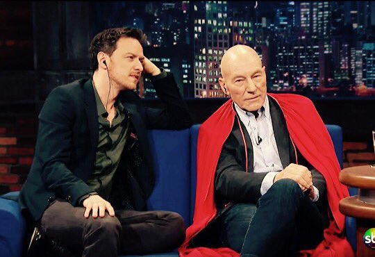 Look at him and his red cape. #SirPatrick #PreciousBaldFairyPrincess https://t.co/65VB87r8GE