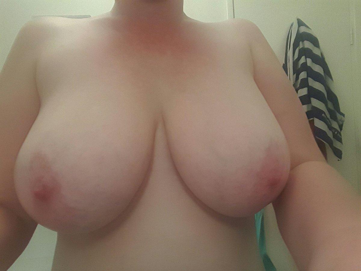 Nude Selfie 8998