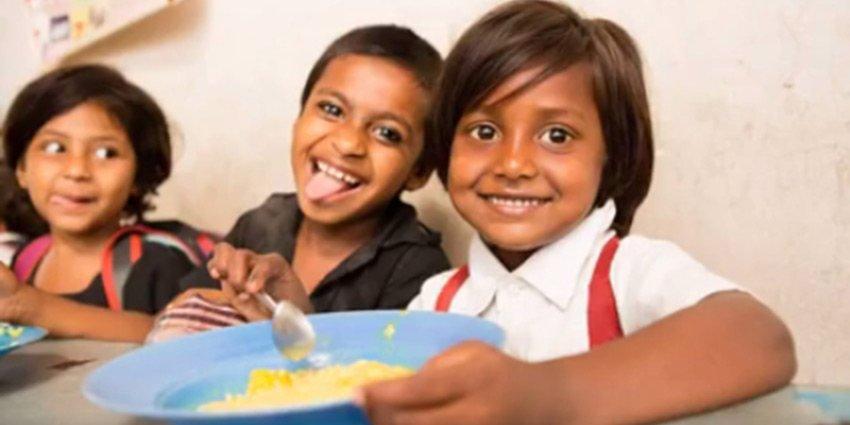 Zum #Welternährungstag Bilder aus unserer Slumschule in #Dhaka, wo wir über 800 Schülerinnen ausbilden und versorgen https://t.co/vfr73keU0j https://t.co/rI0mhmdBp2