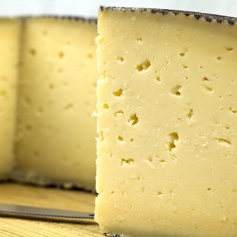 """Svizzera: Coop ritira dai supermercati formaggio iberico """"Manchego"""", rischio listeriosi."""