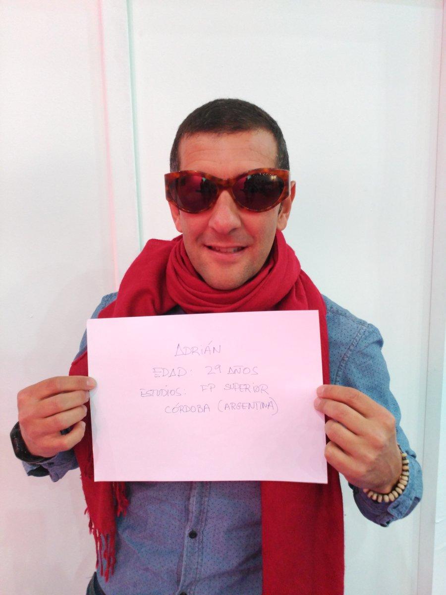 Adrián Fortun. 29 años de Córdoba Argentina. Con Fp superior. #desafiosimo https://t.co/k8SxGSTJFn