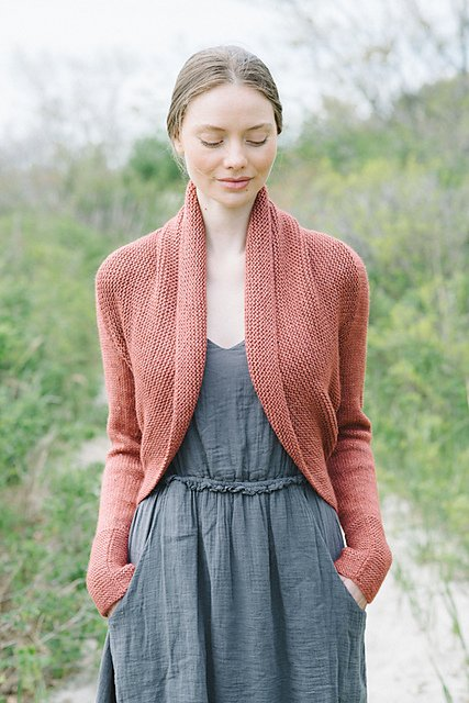 Just found @maddermade 's Maeve pattern; perfect for a fall sweater! This just rocketed to the top of my queue. https://t.co/J2m9cIJvY1