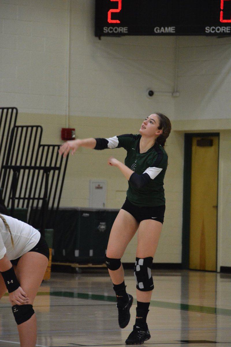 RT OHHSPrincipal: Josie is a versatile player.  Watch out for her serves! #wickedcurves OHSpiritNews OHvball
