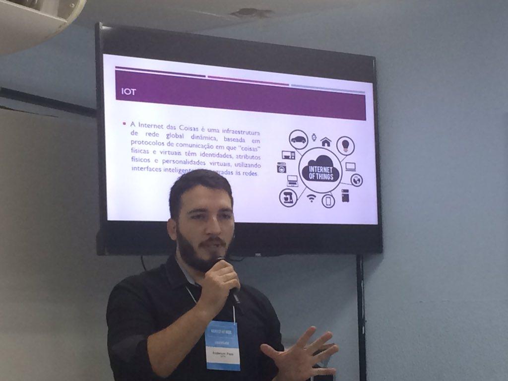 """Dia 3 #nabucoIoTweek iniciando com Anderson Paes falando sobre """"IoT, negócios e sociedade"""" #iot #fjn #fjnOlinda"""