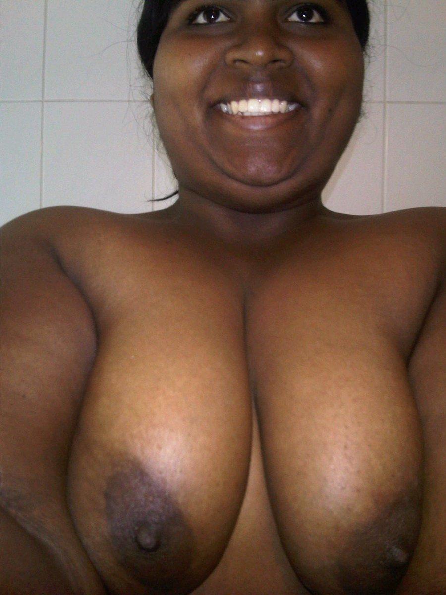 Nude Selfie 9005