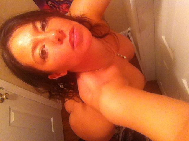 Nude Selfie 9007