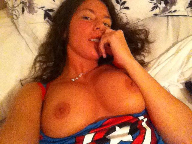 Nude Selfie 9011