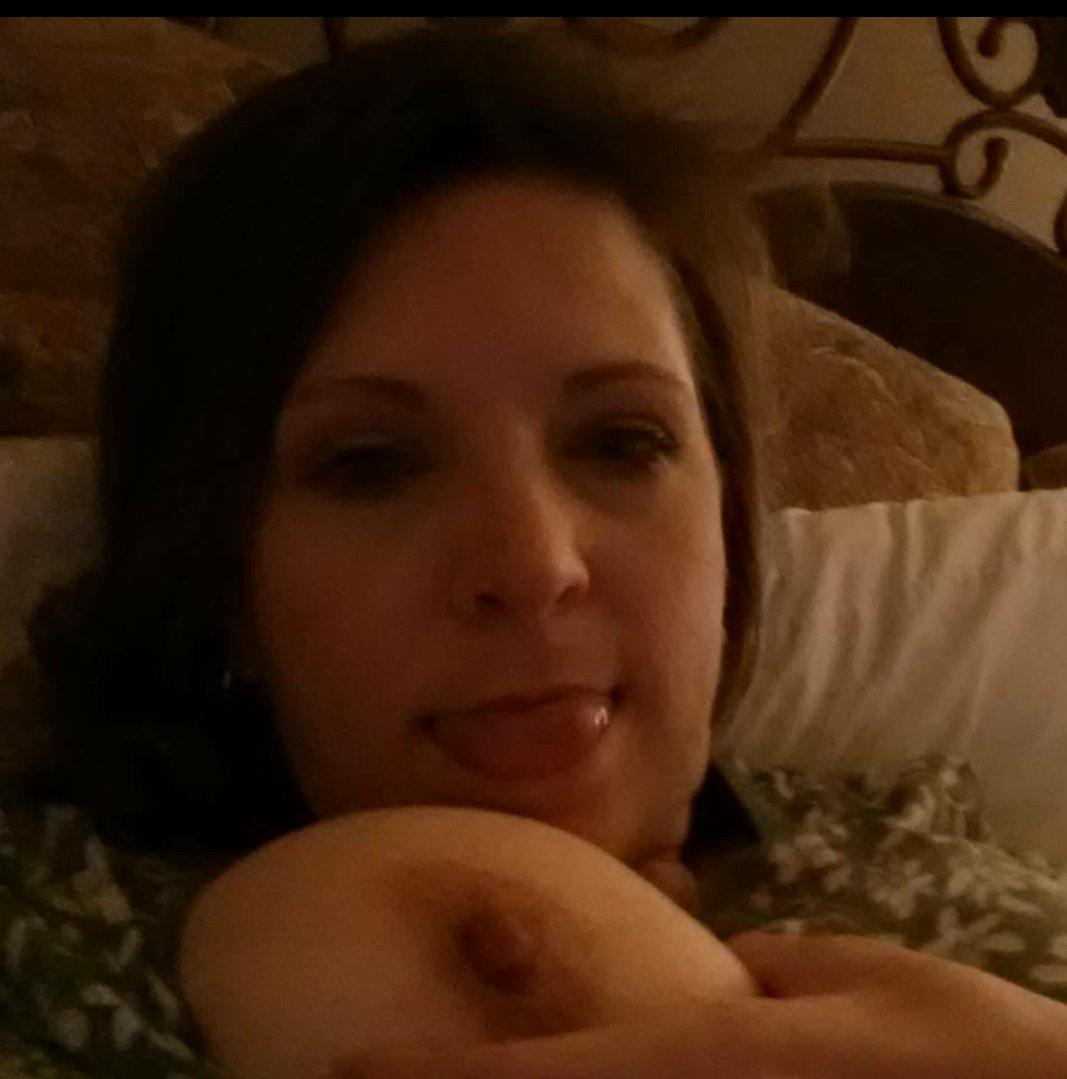 Nude Selfie 9028