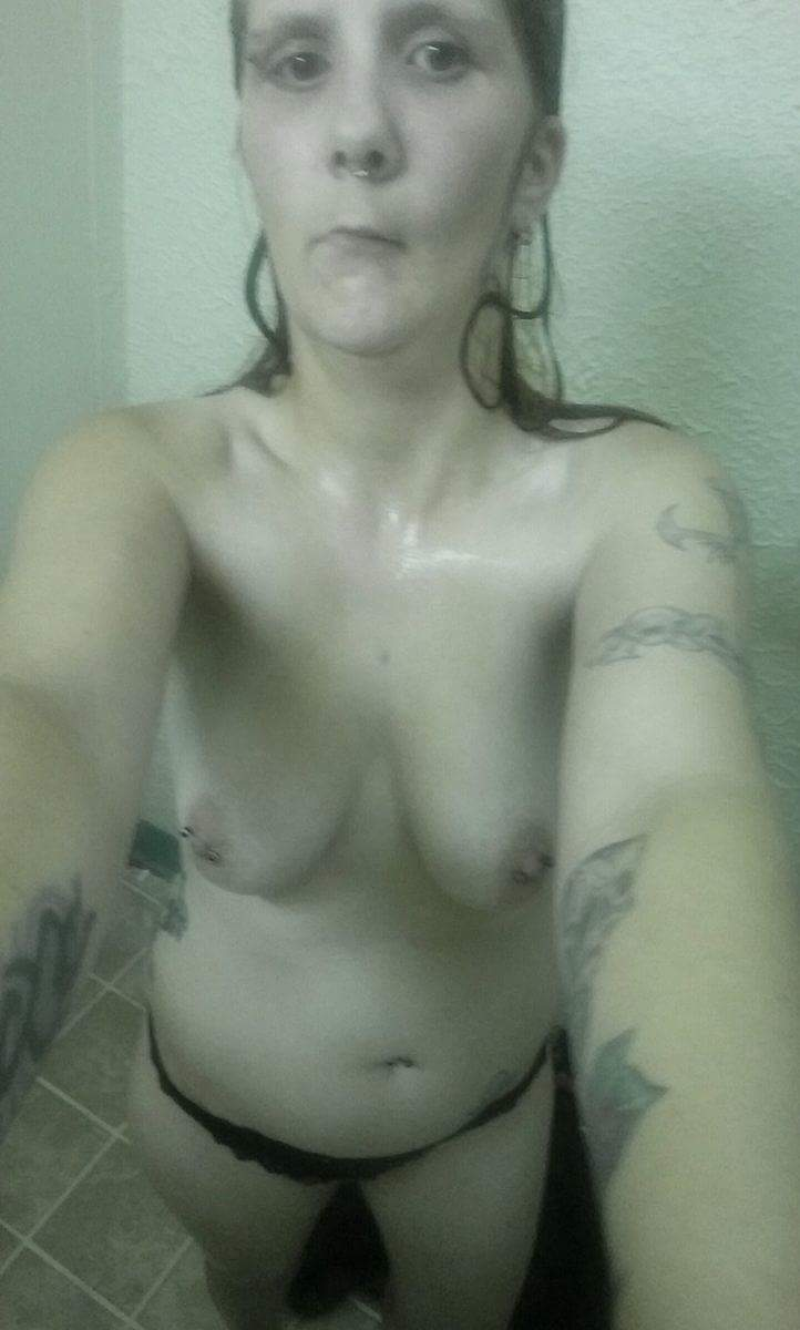 Nude Selfie 9024