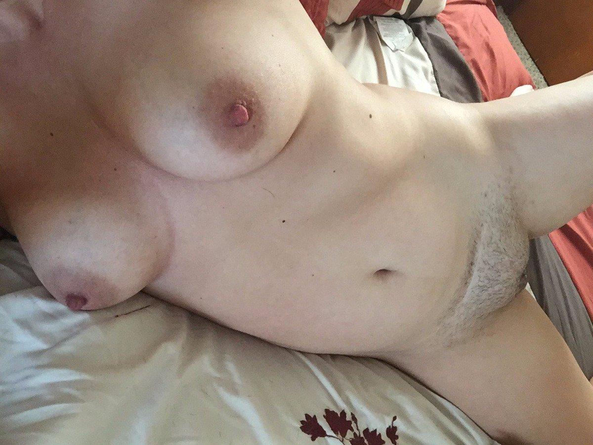 Nude Selfie 9048