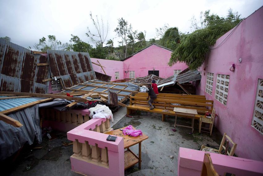 Stand in #solidaritywithHaiti and our ESPERA women in Jeremy  - https://t.co/ccfbFmjH5u #hurricaneMatthew https://t.co/tHH7x9RBzp