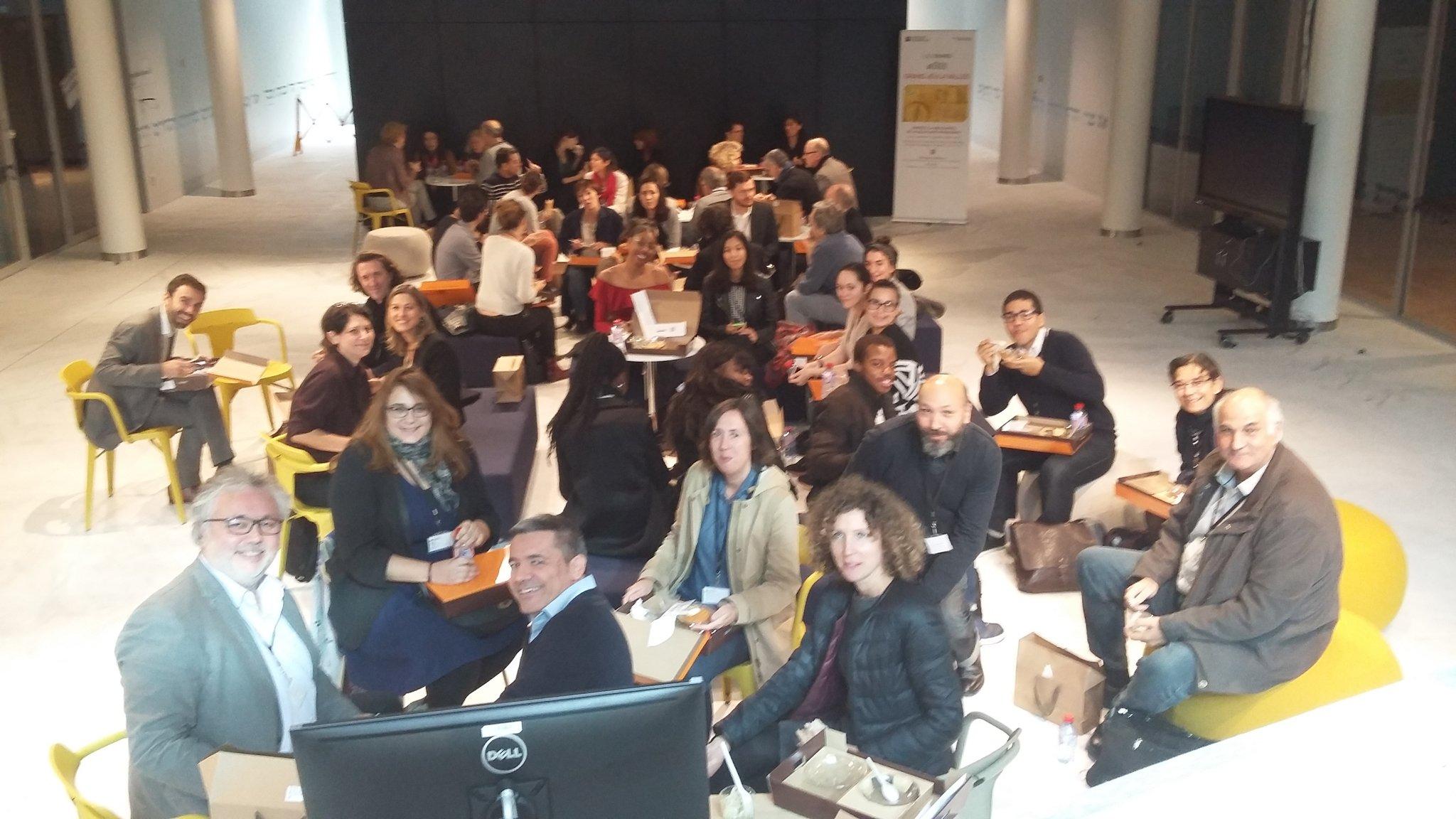 #qnfing la réflexion continue dans le forum pendant le déjeuner @steflarc @HAZERA1 @la_fing #lesdunes #leplateau @sophiemaheo @FMDelasalles https://t.co/SqBdfppmlb