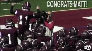 Team manager with Down syndrome scores touchdown in New Jersey high school game