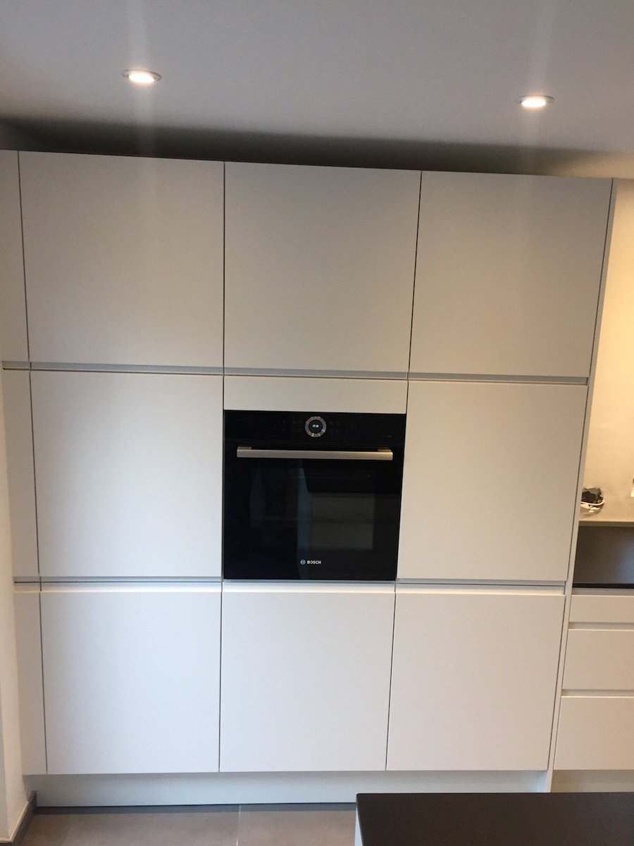 Die Heutige #Moderne #Küche #Kochinsel Gutmann #Dunstabzugshauben +  #Arbeitsplatten Von #Granit #echte #Holztheke Http://www.profimontage.eu ...