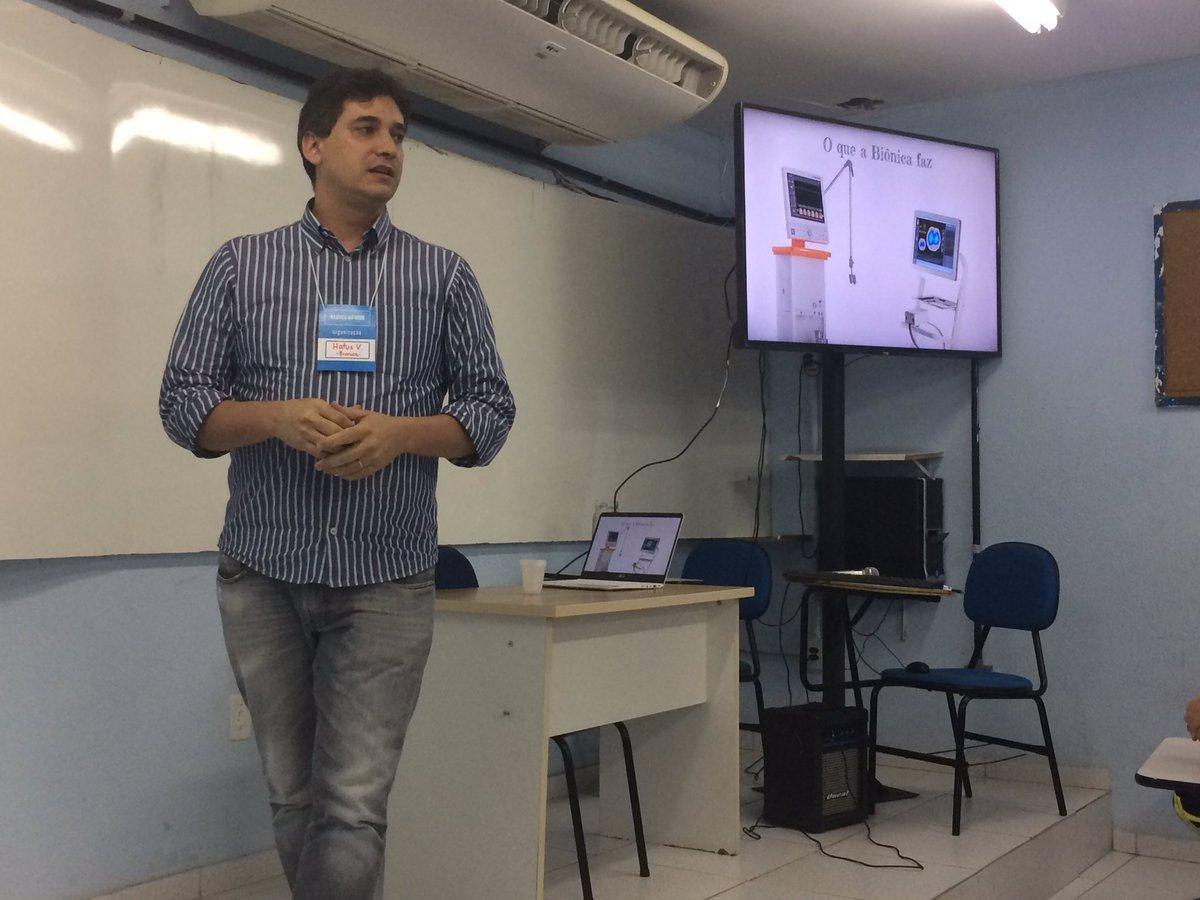 "Dia 4 #nabucoIoTweek com Hatus Viana disseminando ""a internet das coisas do #mti "" @FNabuco #si #ti #iot"