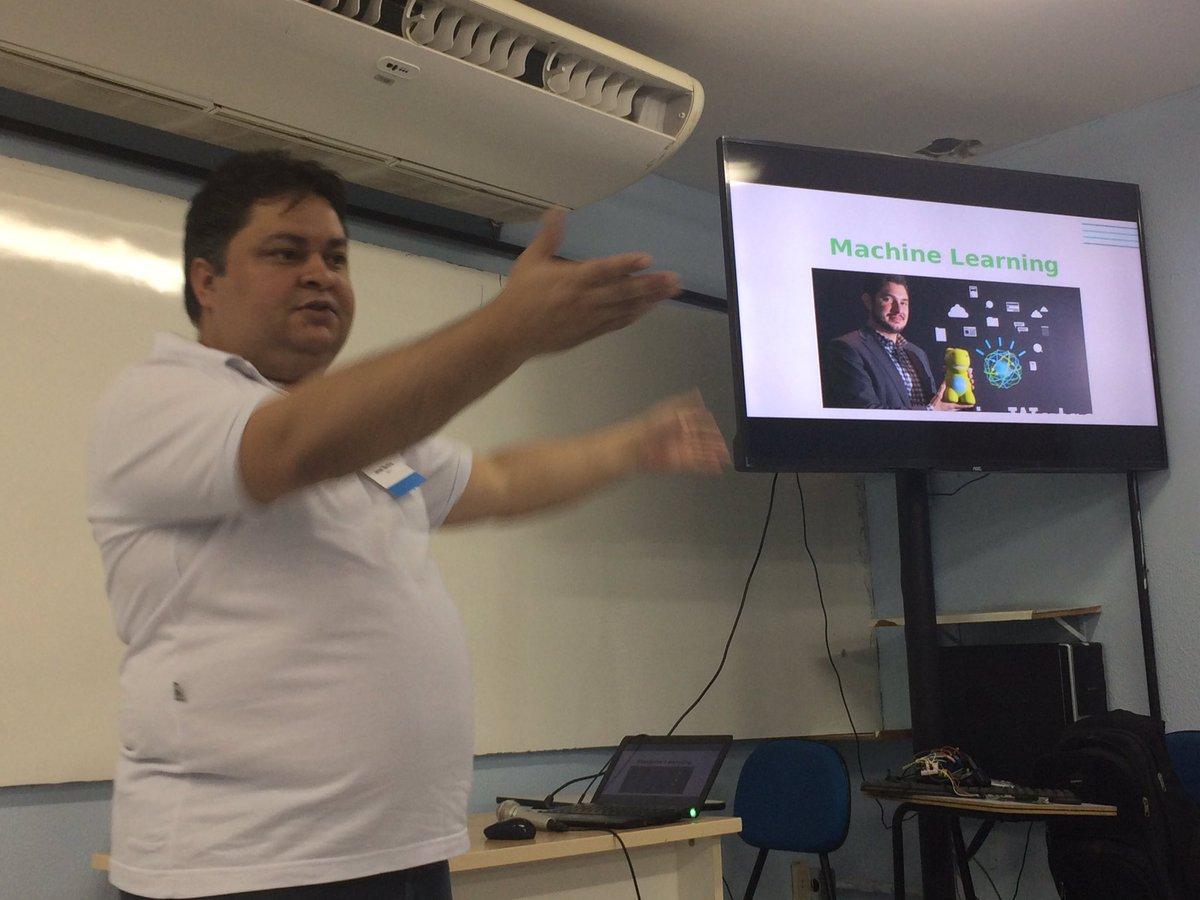 Dia 4 #nabucoIoTweek com Janael Martins detonando #iot #MachineLearning #watson #ibm e todo impacto na tecnologia @FNabuco #si #ti