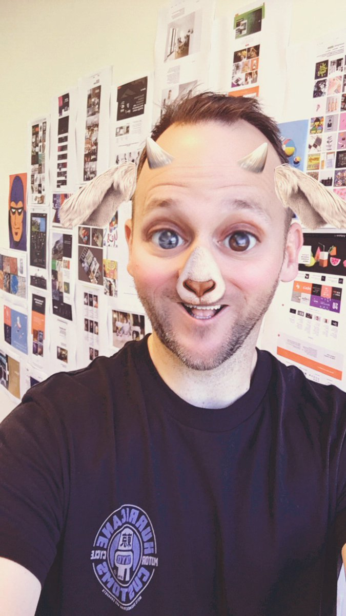 When the inspo wall becomes a selfie wall instead #inspowall #selfieprinceofDux #hashtagfriYAY<br>http://pic.twitter.com/HDxFaljbMT