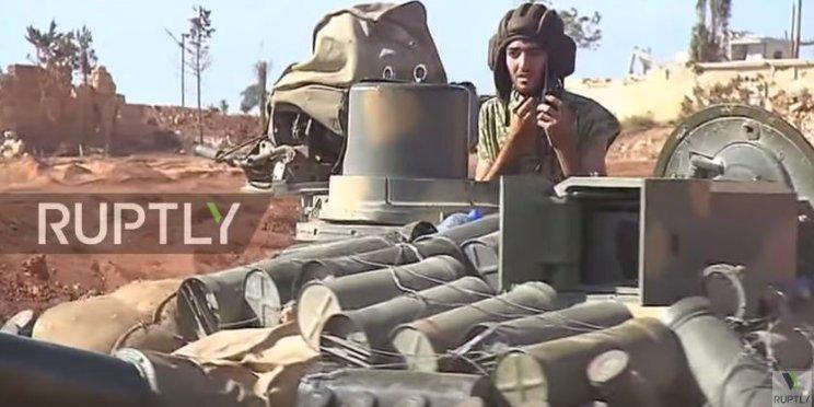 الوحش الفولاذي لدى قوات الجيش السوري .......الدبابه T-72  - صفحة 3 CvRSFmWXEAABjyz