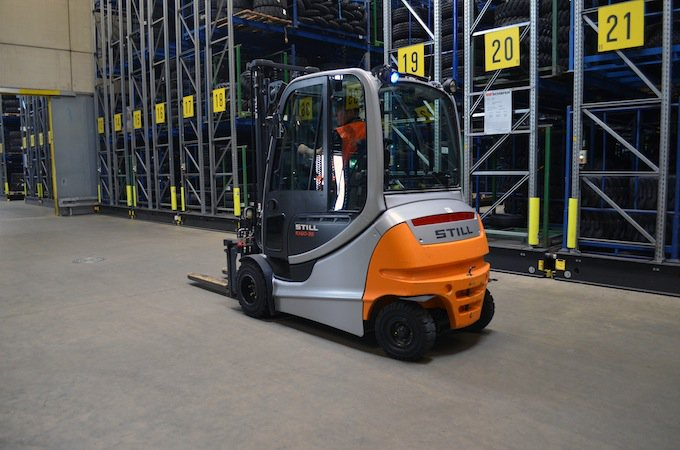 What to consider when choosing a #forklift? Let's have a look at the latest features! https://t.co/EqHCOEsGEH https://t.co/PxO4hZ08Nj