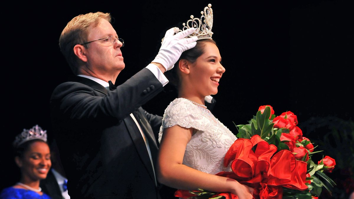 Victoria Castellanos, 17, was crowned the 2017 Rose Queen