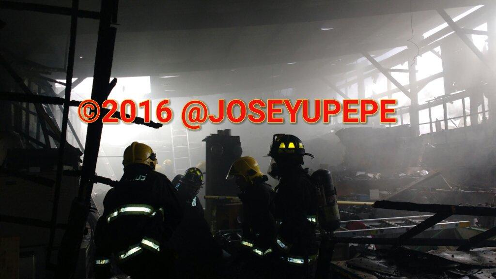 RT @JoseYupepe Bomberos trabaja en Incendio declarado Ignacio Valdivieso/Fdez. Concha #sn.joaquin  @reddeemergencia