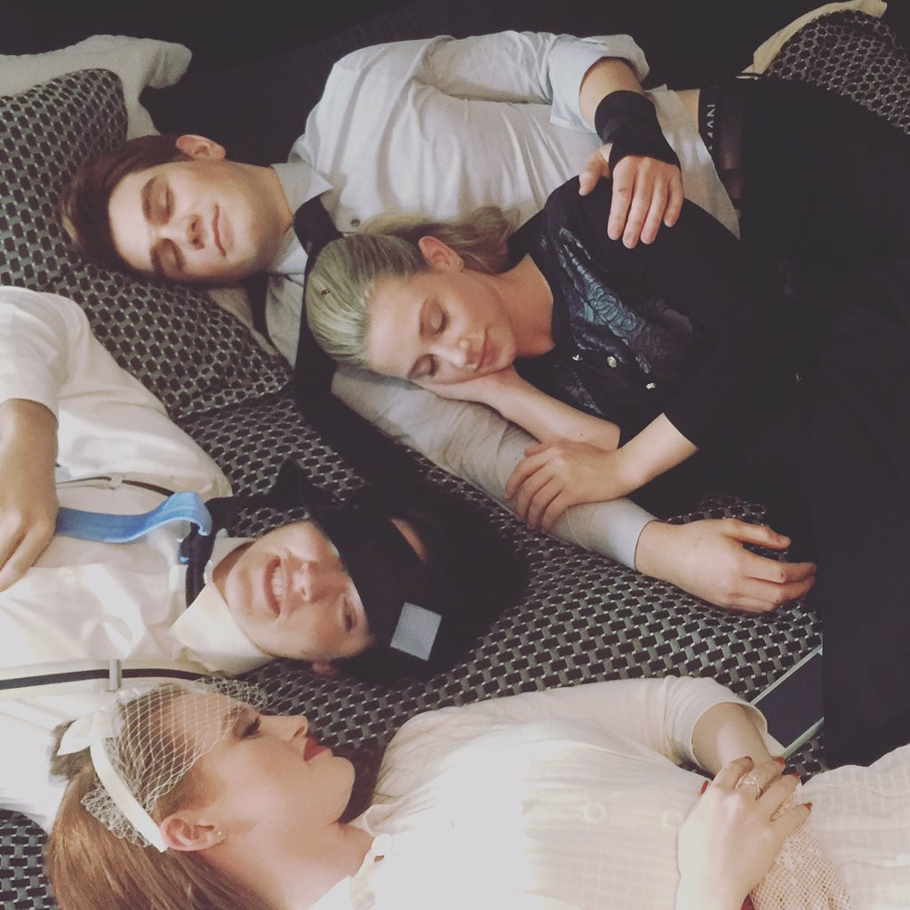 Love these #Riverdale sleeping beauties... @kj_apa apa @lilireinhart @colesprouse @madelainepetsch https://t.co/cHemooW5lX