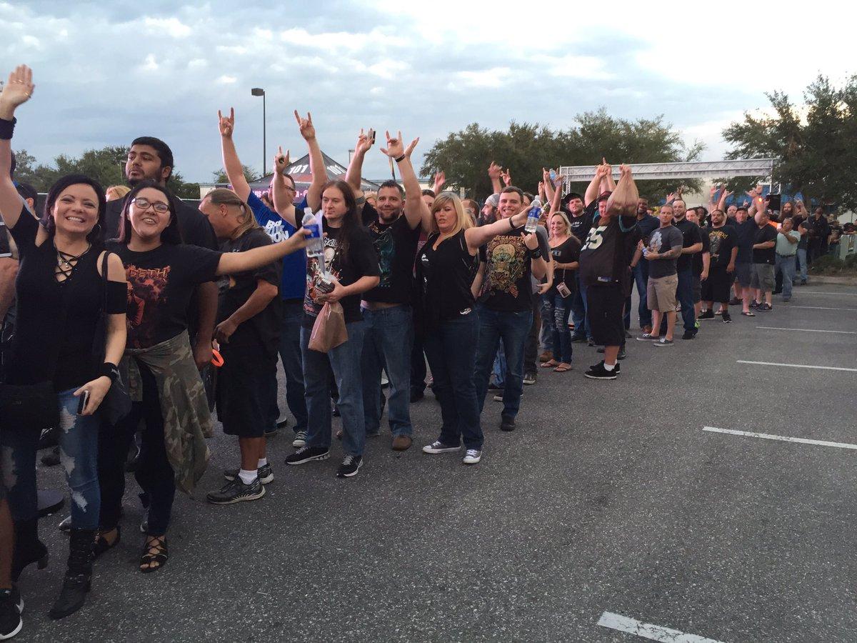 Doors are opening soon... :) #MegadethBeer https://t.co/qYfDP8z1We