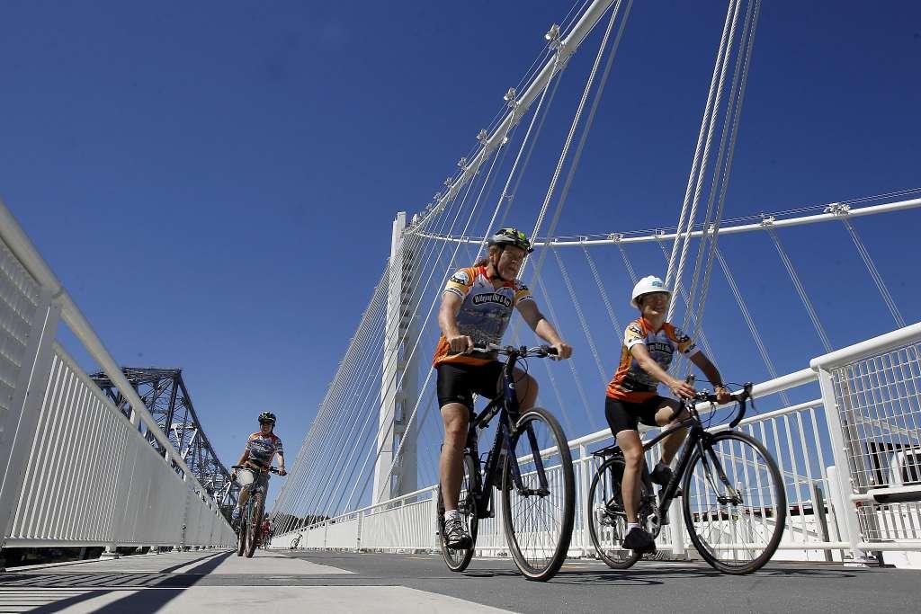 Bay Bridge bike, pedestrian path to open Sunday. via @ctuan