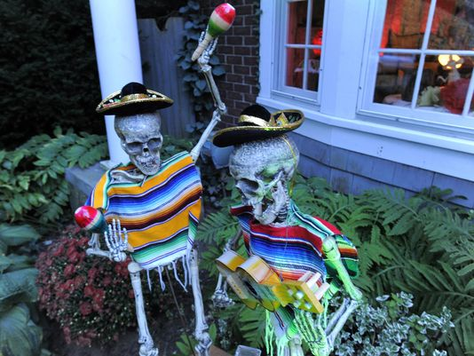 Lively Day of the Dead theme in Ferndale home enchants