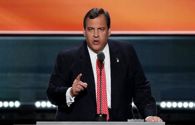 Former Christie Aide Says Governor Knew About Bridge Closure, Threw Stuff At Her
