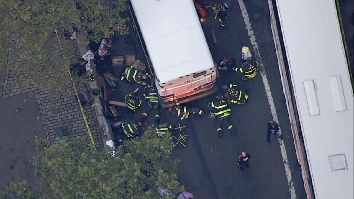 Woman dragged by MTA bus for blocks, killed in Manhattan: NYPD