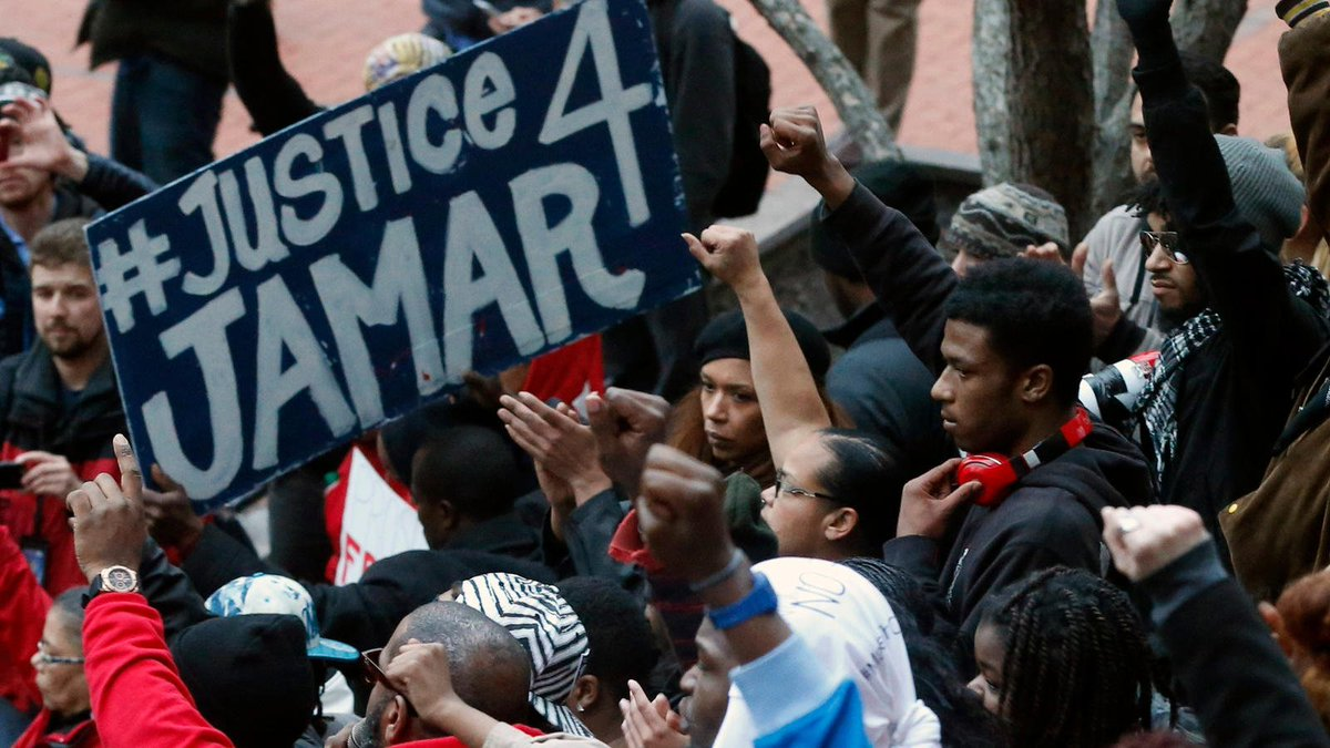 No discipline for Minneapolis officers in black man's slaying